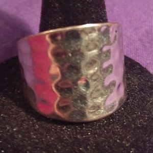 Jewelry - Hammered Silvertone metal ring size 6 1/2